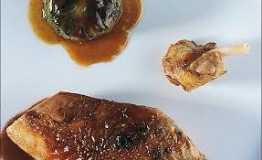 cuisiner poule de poule faisane cuisiné en cocotte par alain ducasse