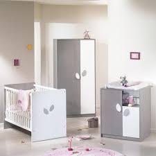 chambre de bébé gris et blanc chambre bebe mixte mamans decoration gris complete pas cher