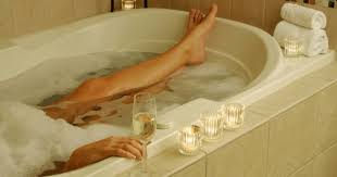 Mom In Bathtub Working Mom Bath Time Into Me Time Working Mother