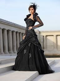 brautkleid in schwarz die farben brautkleidern