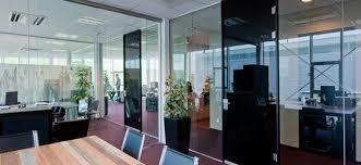 porte de bureau vitr porte battante en verre sur mesure verre solutions