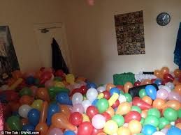 balloons for him student returns home to find his bedroom filled with 5 000
