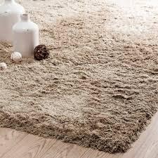 tappeto a pelo lungo tappeto beige a pelo lungo 140 x 200 cm maisons du monde