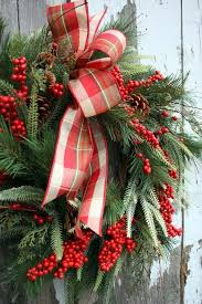 Decorating Fresh Christmas Wreaths by 239 Best Christmas Out U0026 Door Decor Images On Pinterest
