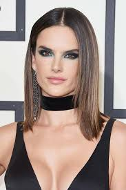 short haircuts with middle part 50 stylish ways to wear center part hairstyles fashionisers