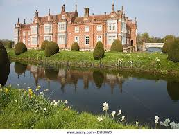 House With A Moat House With Moat Stock Photos U0026 House With Moat Stock Images Alamy