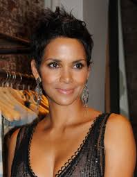 harry berry hairstyle halle berry wins her natural hair day in court for daughter