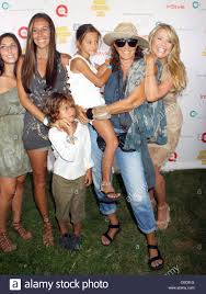 christie brinkley donna karan and family attend super saturday 13 christie brinkley donna karan and family attend super saturday 13 designer garage sale to benefit ovarian cancer research fund