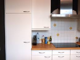 remplacer porte cuisine beautiful changer portes armoires cuisine photos joshkrajcik us