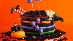 Cool Halloween Birthday Cakes by 13 Creepy Creative Halloween Cake Ideas Redbook Youtube