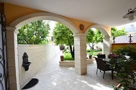 arco in pietra per interni archi in pietra leccese centina su pietra leccese per archi