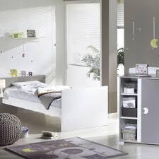 coin bébé chambre parents coin bebe dans chambre des parents renovation de la chambre