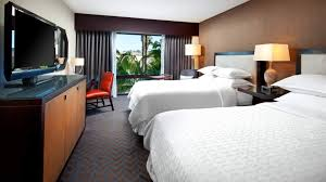 san diego accommodation guest rooms in mission valley sheraton traditional guestroom