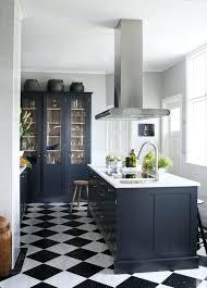 carrelage cuisine damier noir et blanc meuble de cuisine noir et blanc le carrelage damier noir et blanc en