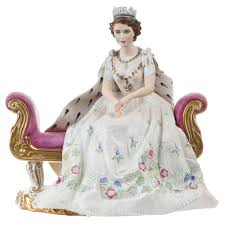 peggy davies the queen magnificent royal figurines