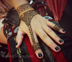 16 henna tattoos you ll want this summer more com