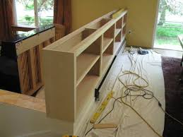 an idea 4 the half wall between kitchen and family room