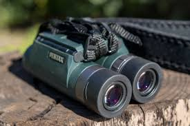 nikon travel light binoculars the best binoculars for birds nature and the outdoors reviews by
