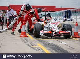 Resuming Refueling Vitantonio Liuzzi Before Resuming Testing At Silverstone