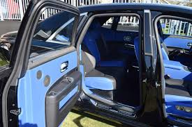roll royce car inside 2017 rolls royce black badge ghost ii 22