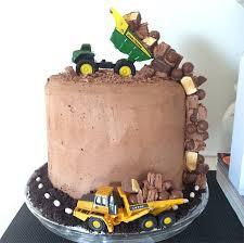 22 cutest first birthday cakes found on instagram