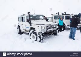 land rover defender vector land rover defender 4v4 4wd vehicle in heavy snow on a tourist