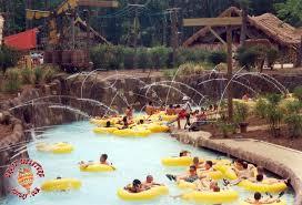 6 Flags Water Park Six Flags Hurricane Harbor Taak It Ee Zee Creek