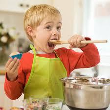 les enfants en cuisine mercredi cuisine atelier pâtisseries pour petits et grands