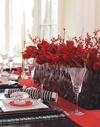 christmas table centerpieces 55 beautiful christmas centerpieces digsdigs