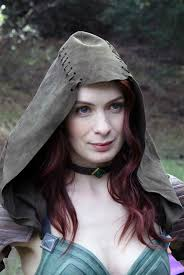 what is felicia day s hair color felicia day breathes fire into dragon age series felicia