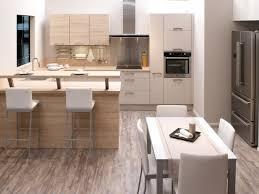 cuisine et salle a manger amenagement cuisine ouverte avec salle a manger table bois lzzy co