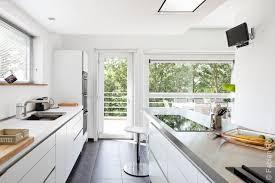 cuisine blanche avec ilot central cuisine moderne ilot central maison design bahbe com