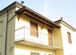 tettoia in legno per terrazzo coperture per il balcone pergole e tettoie da giardino