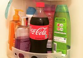 rinses hair with coke rinse your hair with coca cola and see what happens women daily