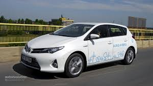 toyota auris toyota auris hybrid review autoevolution