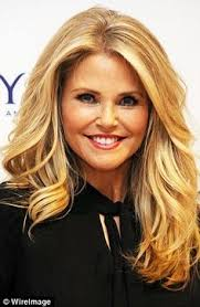 hair styles for a young looking 63 year old woman supermodel christie brinkley 63 reveals her secret to looking