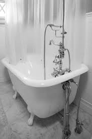 Claw Feet For Bathtub 27 Relaxing Bathrooms Featuring Elegant Clawfoot Tubs Pictures