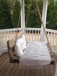 balkon liege hängebett selber bauen 44 diy ideen für bett aus paletten im garten