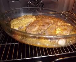 cuisiner porc côtes de porc au four recette de côtes de porc au four marmiton