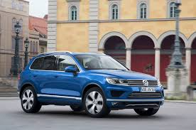 volkswagen touareg blue 2015 volkswagen touareg refresh debuts for u s in l a