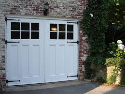 Garages That Look Like Barns Best 25 Carriage Doors Ideas On Pinterest Carriage House Garage