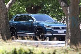 volkswagen touareg blue 2019 volkswagen touareg revealed in full by latest spy photos