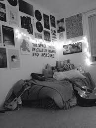 Cool Wall Decoration Ideas For Hipster Bedrooms Grunge Top Only Grunge Posts Rental Decorating Pinterest