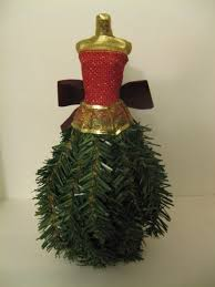 make a miniature dress form christmas tree using recycled
