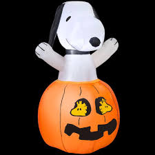 gemmy 36 in inflatable snoopy in pumpkin with woodstock 64371