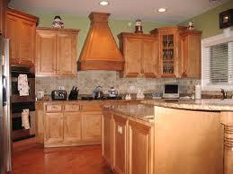 Paint For Kitchen Walls by Best 25 Brown Walls Kitchen Ideas On Pinterest Warm Kitchen