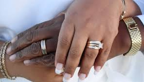s plain wedding bands wedding band how to wear 100 images how do wedding rings go