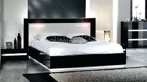 chambre laque noir lit laque noir lit laque noir awesome lit design tuvo cm laqu noir