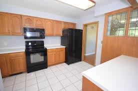 Greenfield Kitchen Cabinets 316 S Greenfield Ave Waukesha Wi 53186 Mls 1552962 Coldwell
