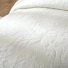 white cotton quilts u2013 co nnect me